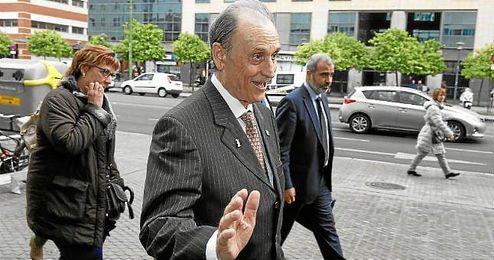 Lopera venderá en breve sus acciones del Betis.