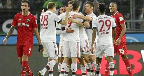 Un irregular Dortmund cedió (2-1) en su visita al Colonia y se alejó de la pelea por el liderato.