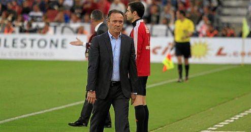 Juan Ignacio Martínez, con gesto serio durante su etapa en el Almería