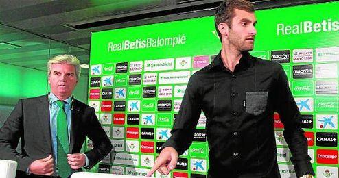 La �ltima en verdiblanco responde al nombre de Leo Baptistao, que, entre primas, comisiones y sueldo, cost� al Betis m�s de dos millones de euros.
