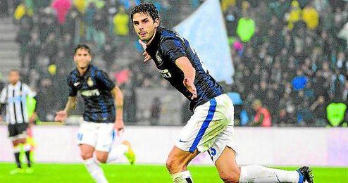 Ranocchia celebra un gol con la camiseta del Inter de Milán.