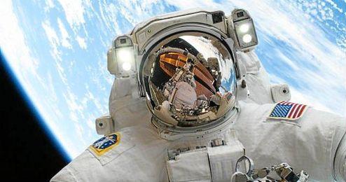 Busca exploradores para futuras misiones espaciales.
