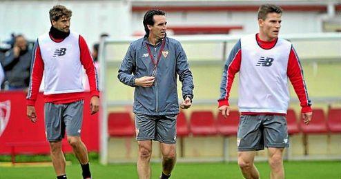 Emery se lleva a 18 futbolistas para enfrentarse al Granada.