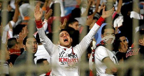 En la imagen, aficionados radicales del Zamalek egipcio.