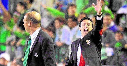 Unai Emery y Gabriel H. Calderón, en la ida del ´Euroderbi´.