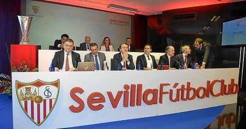 Imagen de la pasada junta de accionistas del Sevilla.
