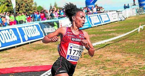 La atleta, donostiarra de adopción, competirá con duras rivales como Alemitu Heroye o Netsanet Gudeta.