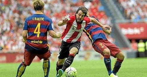 Lance del partido entre el Athletic Club y el Barcelona, se verán las caras en Copa.