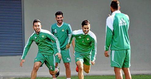 Varela, Ceballos y Vadillo no viajan con el Betis.