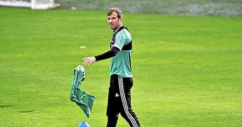En el club turco sería compañero de Samuel Eto´o, quien fichó por el Antalyaspor el pasado verano.