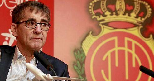 Fernando Vázquez, en su presentación como técnico del RCD Mallorca.