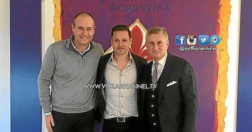 Mauro Z�rate, en su presentaci�n como jugador de la Fiorentina.