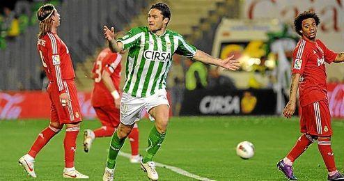 Jorge Molina celebra un gol ante el Real Madrid en la 11/12.