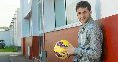 Sebasti�n Crist�foro posa para ESTADIO Deportivo en la ciudad deportiva del Sevilla.