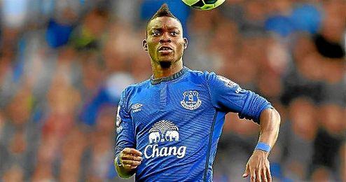 Atsu, con la camiseta del Everton, jugar� hasta junio en el M�laga.