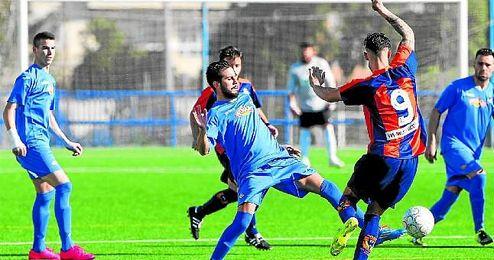 El cerreño Ismael redondeó la goleada con el 3-0 en el 36´.