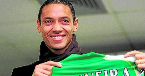 Oliveira inició su segunda etapa en enero de 2009; Baptistao, Robert y Tardelli fueron otros.