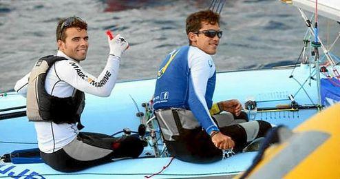 En la imagen, la pareja formada por Barreiros y Curbelo en plena regata.