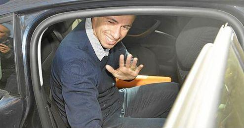 Damiao, a su llegada a Sevilla; ahora espera al recurso de sus abogados.
