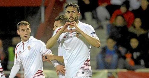 Vicente Iborra dedica su gol.