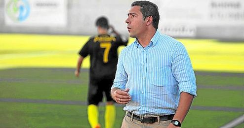 En la imagen, el técnico Juan Carlos Gómez.