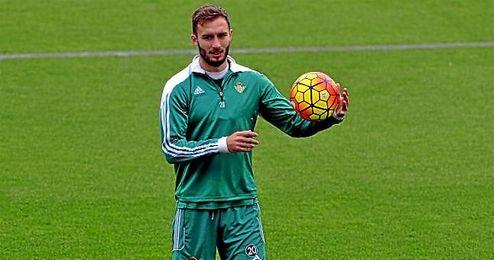 Pezzella se ha asentado ante Villarreal y Real Madrid.