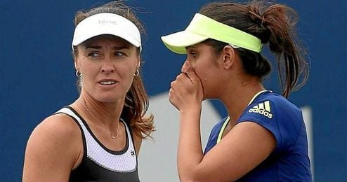 En la imagen, la pareja de dobles formada por Martina Hingis y Sania Mirza.