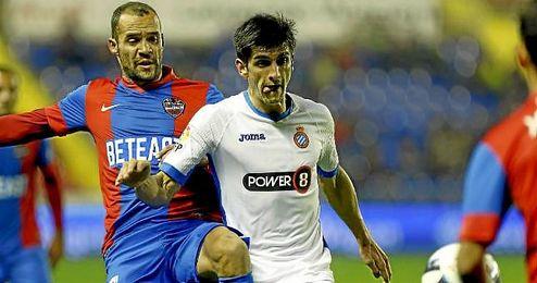 Juanfran no viaja con el Levante para jugar ante el Sevilla.