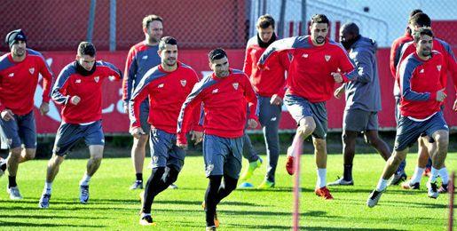 El Sevilla, entrenándose.