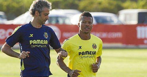 Ikechukwu Uche, en su etapa en el equipo que tiene sus derechos, el Villarreal.