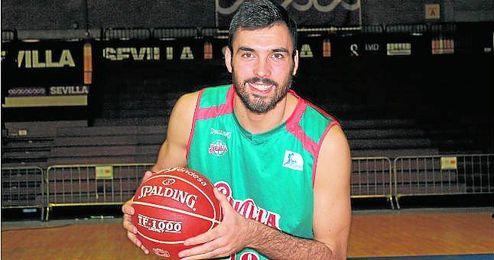 El ala-pívot del Baloncesto Sevilla Pierre Oriola promedia este curso 9,8 puntos y 3,8 rebotes.