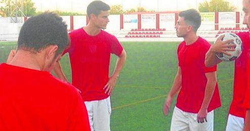 Valerio (derecha) conversa con Ismael en una sesión.