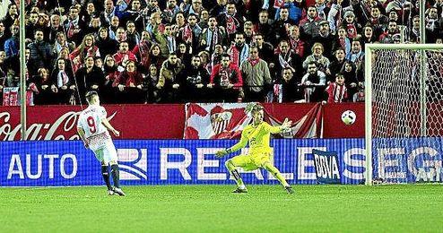 Kevin Gameiro anotó ante el Celta dos goles vitales para la eliminatoria.