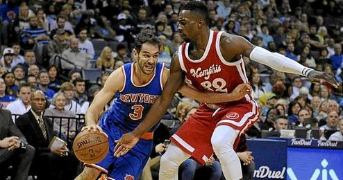 Además de Calderón, destacó Kristaps Porzingis, que consiguió un doble-doble de 17 puntos y 10 rebotes.