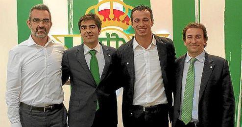 Leandro Damiao, junto a Macià, Haro y Catalán.