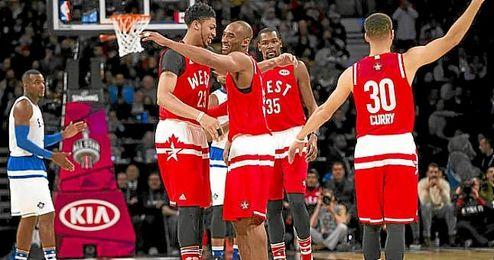 Kobe Bryant fue el centro de atención en su último All Star.