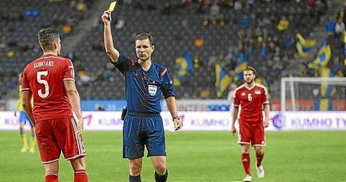 Mazeika, durante un partido internacional.