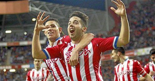 En la imagen, Jony y Sanabria celebrando un gol del Sporting de Gijón.