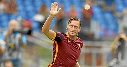 Totti podría tener minutos hoy ante el Real Madrid.