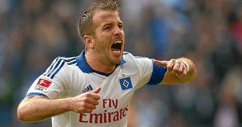 Van der Vaart celebra un gol con el Hamburgo.