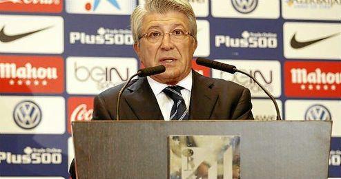 En la imagen, Enrique Cerezo, ofreciendo una rueda de prensa.