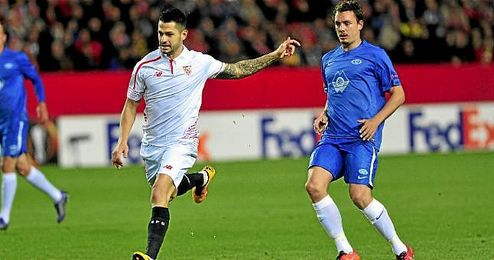 En la imagen, Vitolo durante el partido de ida de los dieciseisavos de final de la Liga Europa contra el Molde.