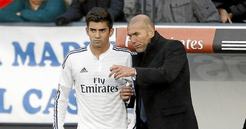 En la imagen, Enzo Zidane y Zidane.
