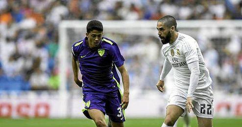 Fornals persigue a Isco durante el Real Madrid-Málaga