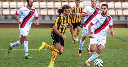 Iv�n, en una acci�n durante un partido de esta temporada con el San Roque.