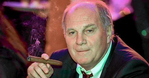En la imagen, el ex presidente del Bayern Múnich, Uli Hoeness.