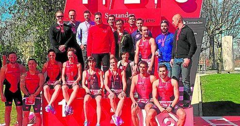 En la imagen, Indurain en las �Santander Triathlon Series�.