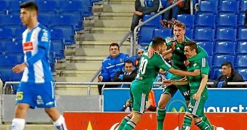 Rubén Castro celebra el 1-0 ante el Espanyol.
