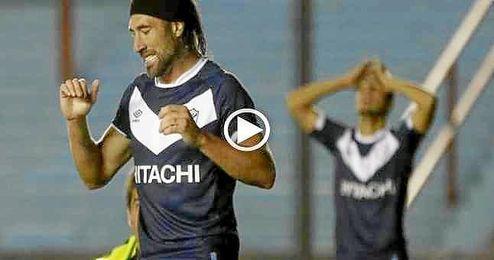 Reacci�n de Pavone tras el gol.