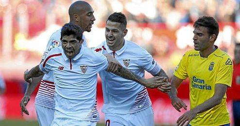 Banega celebra un gol ante Las Palmas.